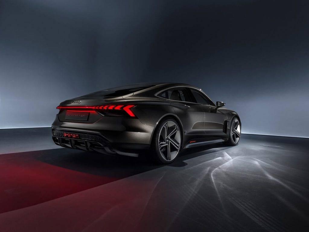 Elektriska Audi e tron GT pirmizrade gaidama jau februari 1