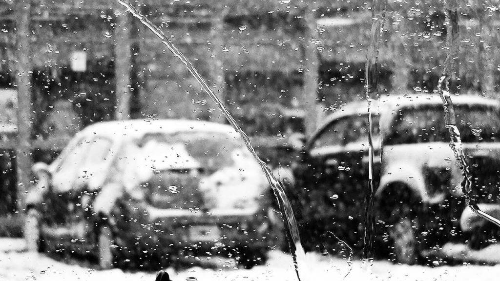 Iedarbinat auto ziema