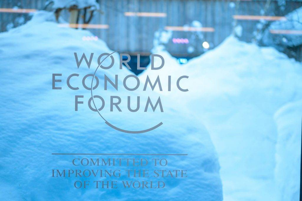 Davosā runās par kriptovalūtām