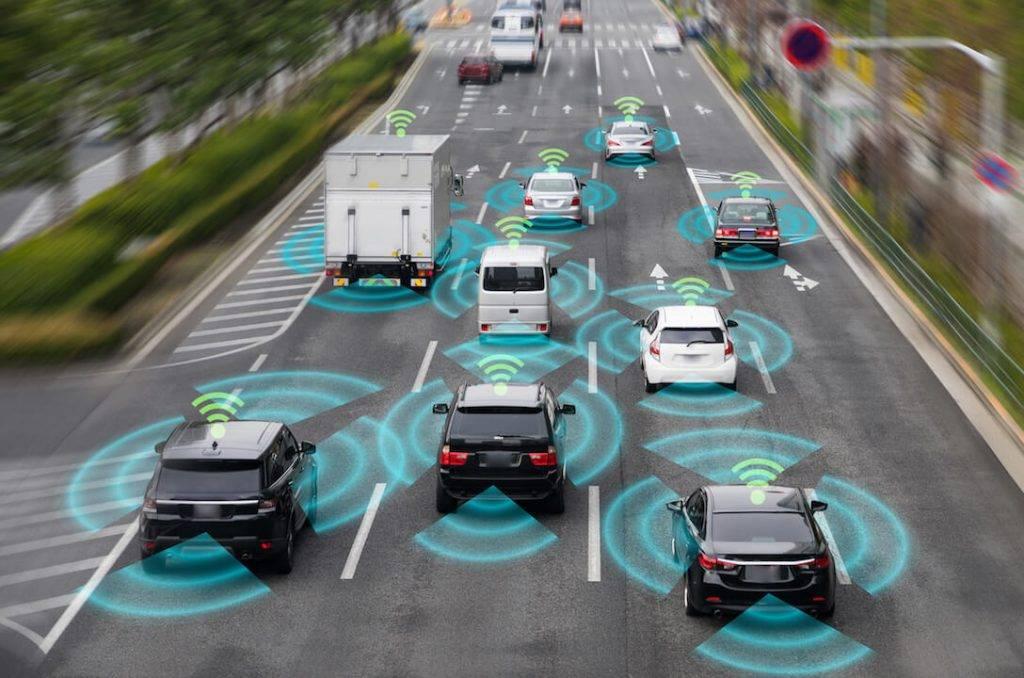 ašbraucoši auto un gudrā infrastruktūra – ar kuru sākt un vai viens bez otra var pastāvēt?