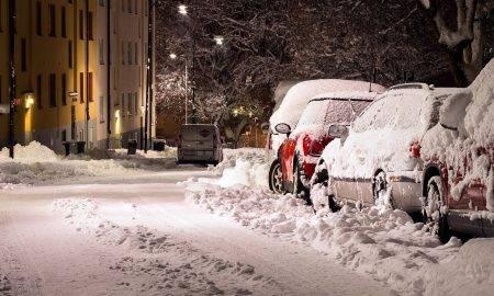 Dramatiski pieaudzis sniega un sala nodarīto postījumu apjoms automašīnām