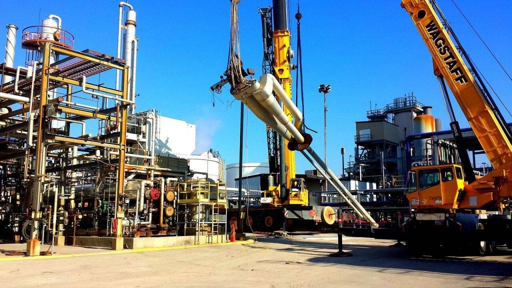 """Kompānija """"SpaceX"""" ir iegādājusies divas naftas ieguves platformas par 3,5 miljoniem ASV dolāriem"""