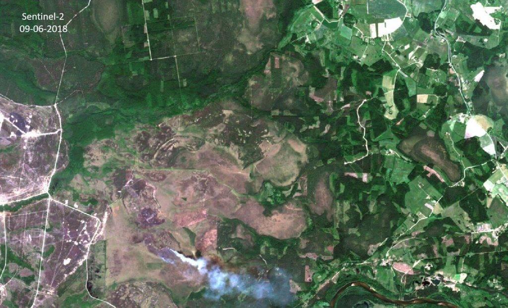 Ādažu poligons 2018. gada ugunsgrēka laikā Eiropas Kosmosa aģentūras satelīta Sentinel-2 datos. Attēls: Vides risinājumu institūts