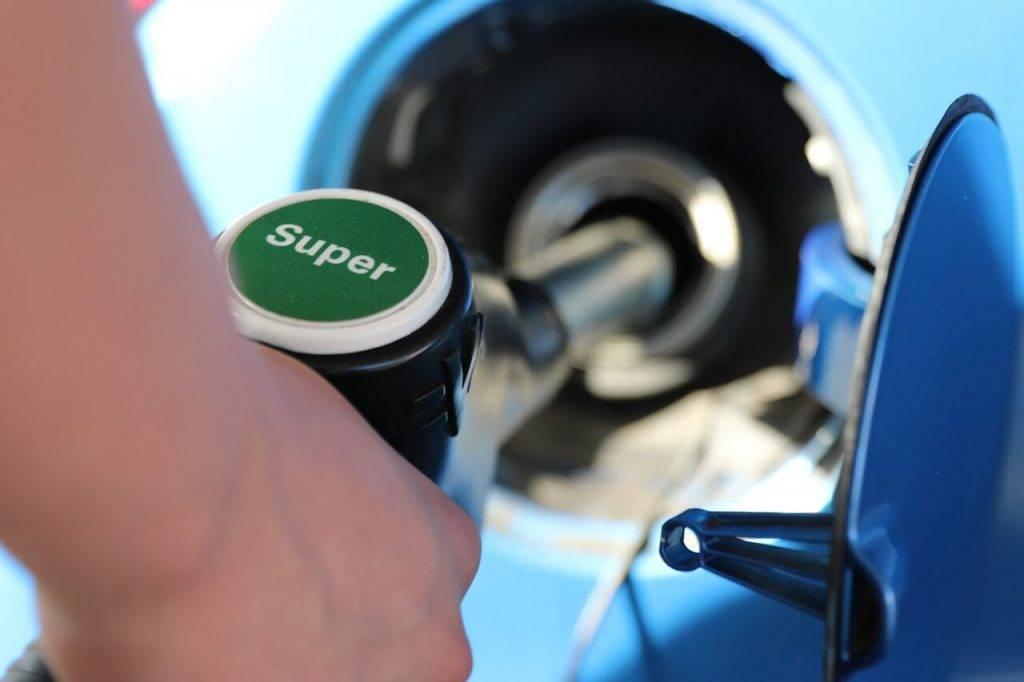 Degvielas uzpilde par kriptovalutu