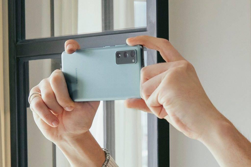 Samsung Galaxy S20 FE lietotajiem pieejami jaunas S21 serijas inovativie risinajumi