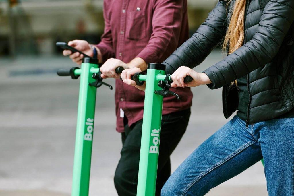 Bolt elektrisko skrejriteņu sezonas atklāšana 4 Latvijas pilsētās
