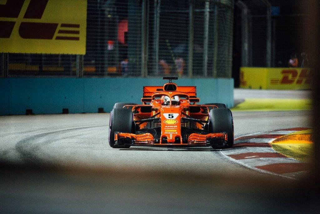 Formula 1 un DHL sadarbiba
