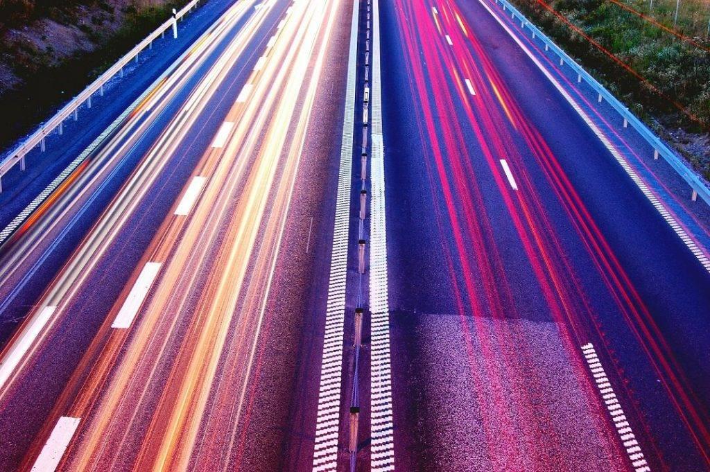 Latvijā uz valsts autoceļiem izveidos vairākas jaunas vidējā ātruma kontroles sistēmas