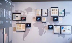 """Uzsāks tematiskās tiešrādes ekskursijas no 68 muzeju kopizstādes """"Latvijas gadsimts"""""""
