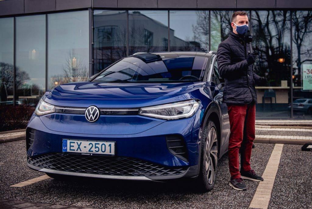 Latvijas auto nozares eksperti un viedokļu līderi vērtē jauno Volkswagen elektroauto ID.4