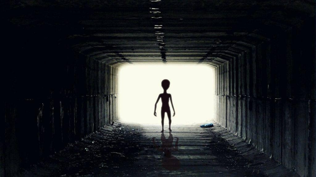 Piecas pārsteidzošas teorijas par citplanētiešiem