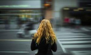 Aptauja: Trešdaļa Latvijas jauniešu izmanto trīs viedierīces vienlaicīgi