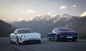 """Pirmie """"Porsche Taycan"""" modeļi iegūst jaunas funkcijas"""