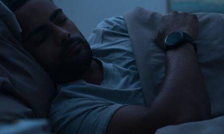 Vakarā nevaru aizmigt, bet no rītiem piecelties? Analizē savu miegu pats