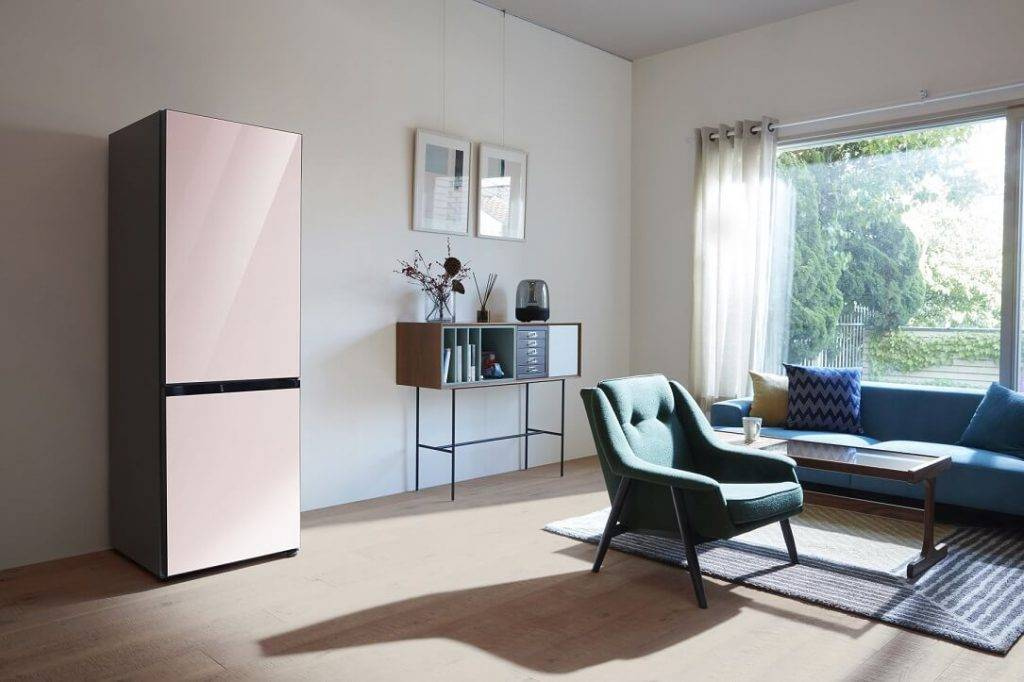 Samsung Bespoke – ledusskapis, kas ļauj pielāgot tā dizainu un krāsu virtuves interjeram
