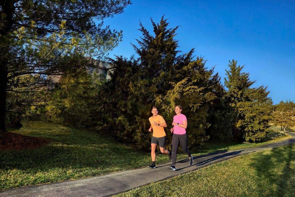 Vispasaules skriešanas dienā Garmin laidis klajā jaunumu skriešanas nozarē - Forerunner 55