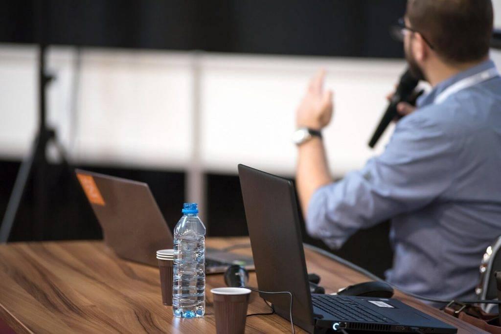 Katram otrajam tuvāko gadu laikā būs jāpārkvalificējas: Latvijas iedzīvotājiem trūkst digitālo prasmju
