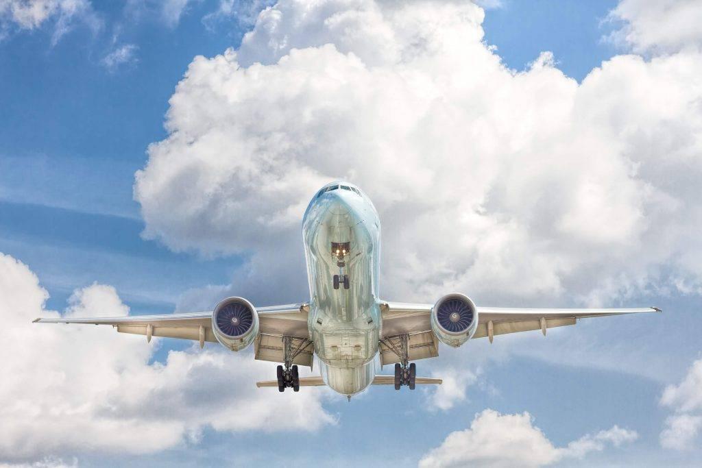 unsplashNolaupa lidmašīnu, pieprasa 200 000 dolāru un izgaist bez pēdām