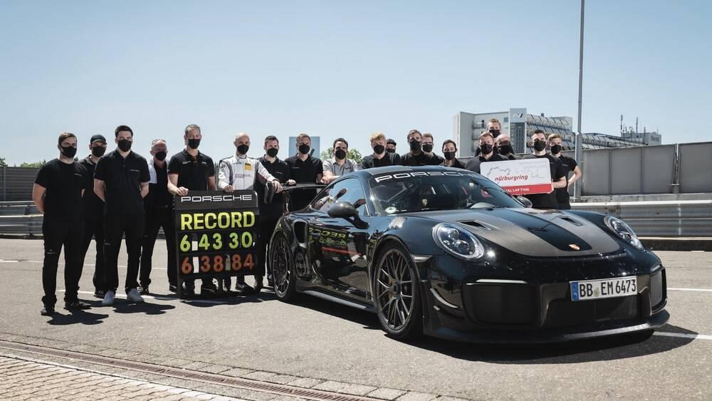 """Sērijveida automobiļu ātruma rekordists Nordšleifes trasē – """"Porsche 911 GT2 RS"""""""