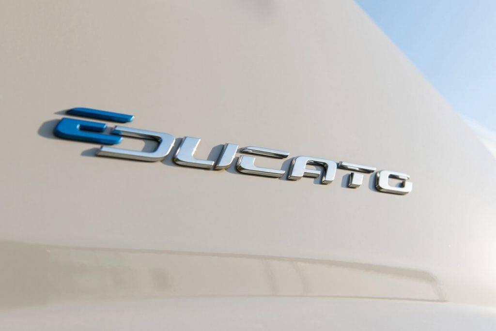 """FIAT """"Ducato"""" pierādījis sevi komerctransportu segmentā – turpmāk piedāvās elektrisko """"E-Ducato"""""""