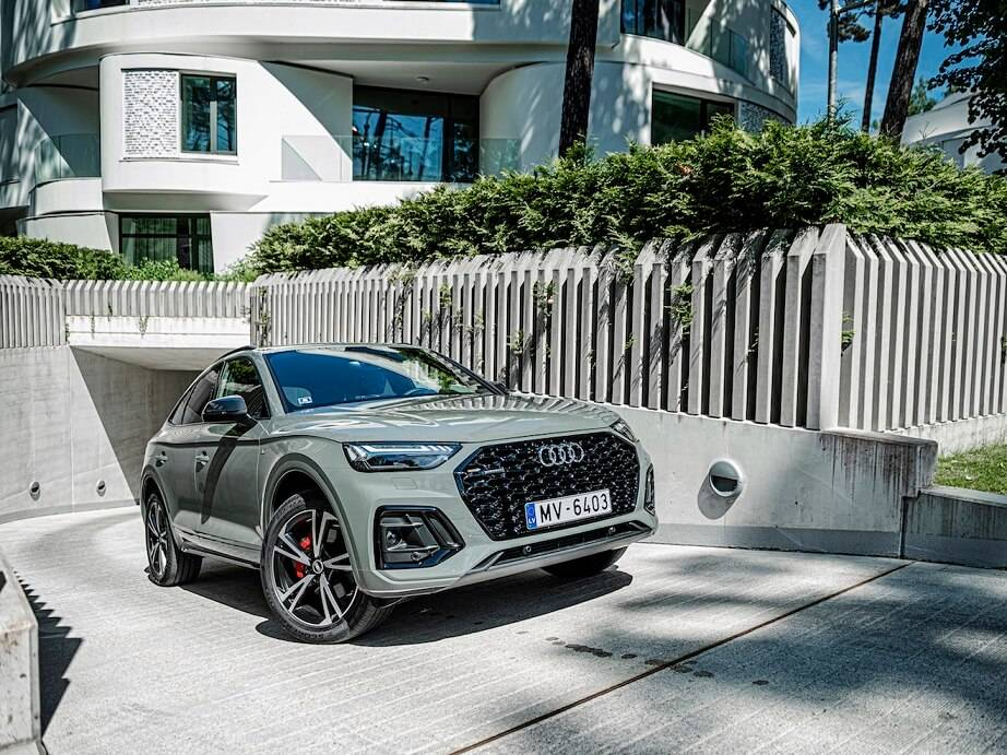 Audi paplašina pieprasīto Q modeļu saimi – jaunais Q5 Sportback pieejams arī Latvijā