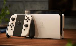 Nintendo ar OLED ekrānu