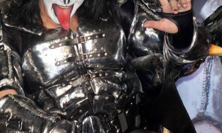 Kiss mūziķis Gene Simmons iegādājies kriptovalūtu