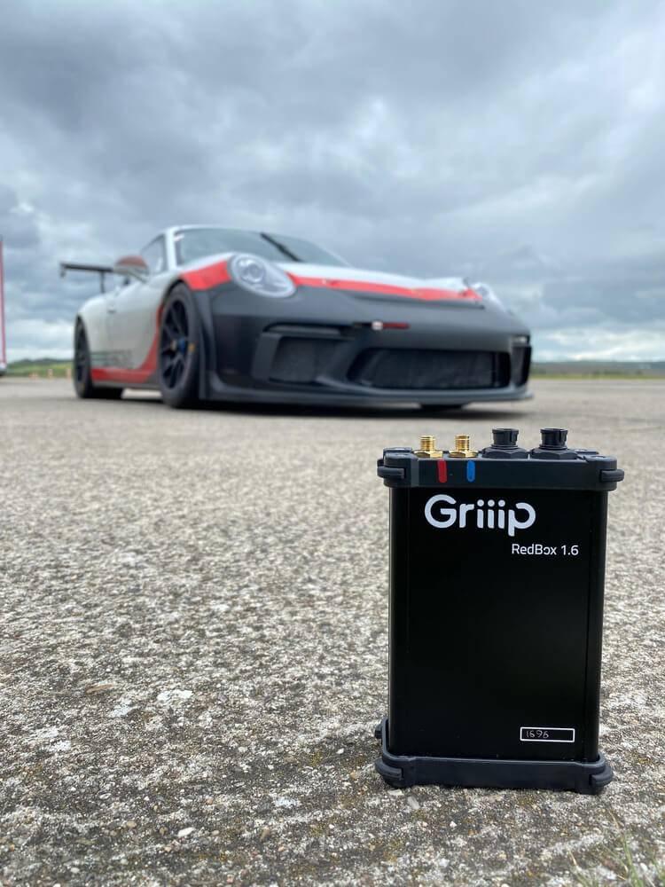 """""""Porsche Ventures"""" uzlabos autosporta datu analīzi un skatīšanās pieredzi"""