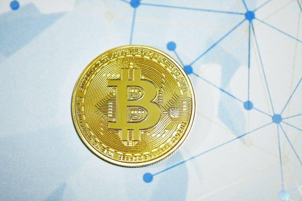 Bitkoina cena 2021. gada nogalē