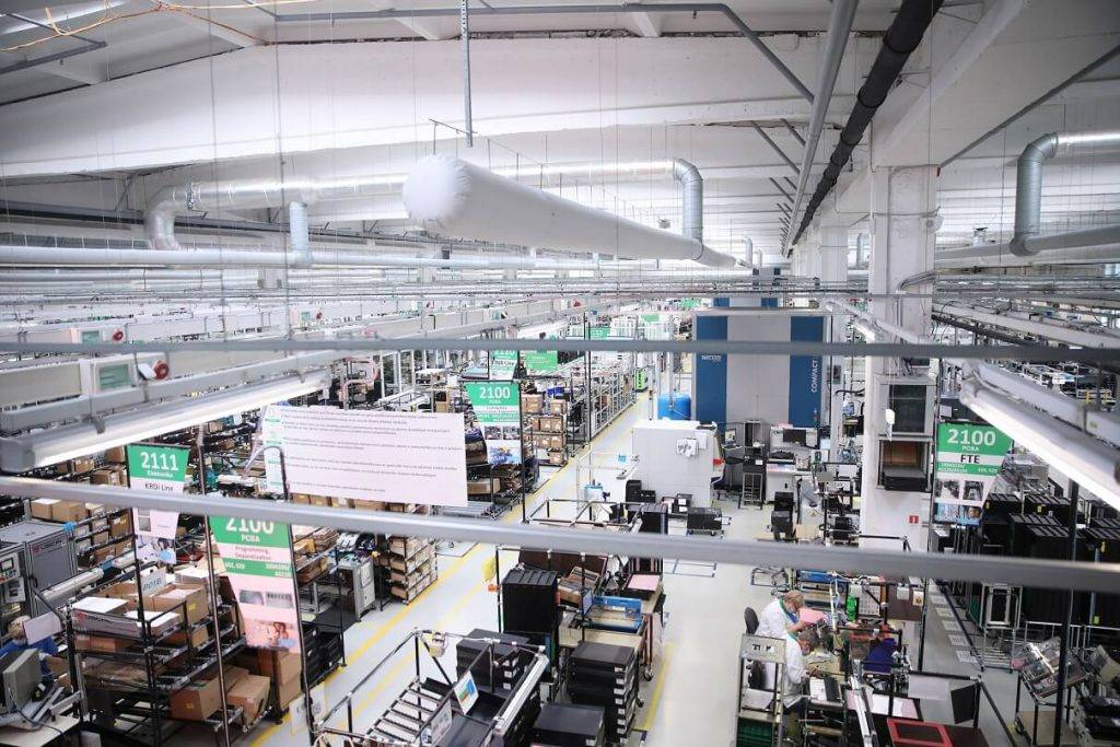 Vizītē Schneider Electric rūpnīcā
